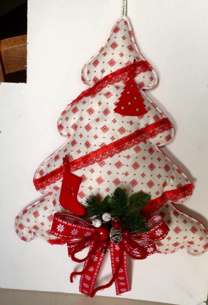 Alberelli Di Natale.Alberello Di Natale Imbottito Di Pannolenci Fuori Porta Natalizio Di Ateliertramepreziose Su Etsy Christmas Ornaments Handmade Holiday Decor