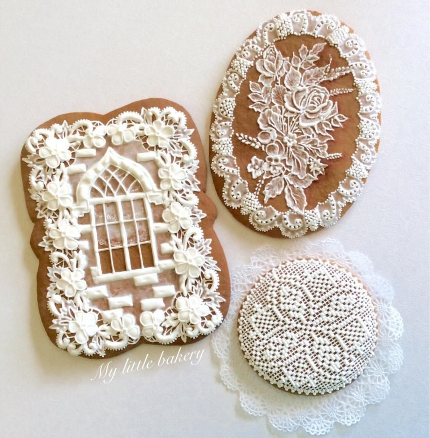 White cookies by Nadia Kalinichenko