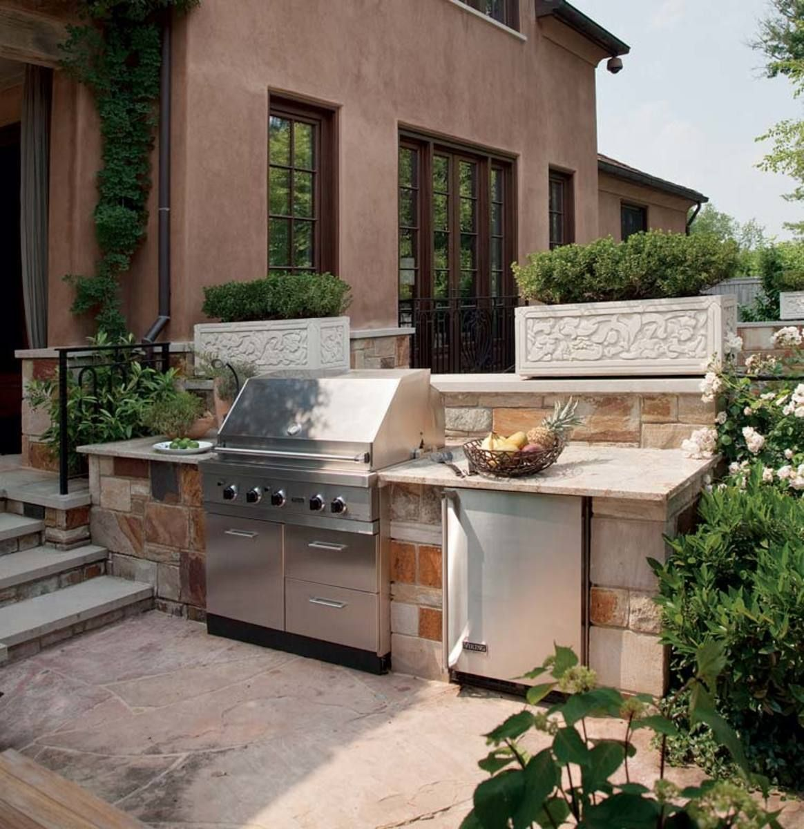 Tips For Designing An Outdoor Kitchen