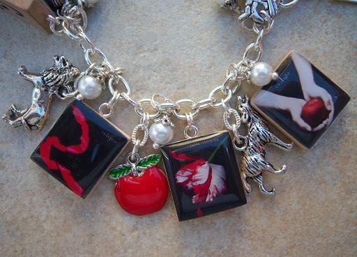 Twilight Charm Bracelet - Twilight Saga Book Covers