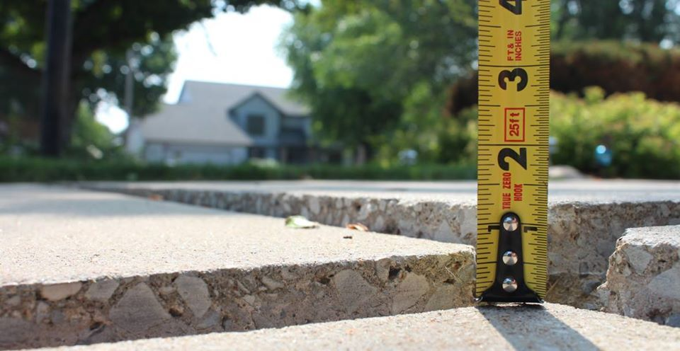 Pin on concrete support