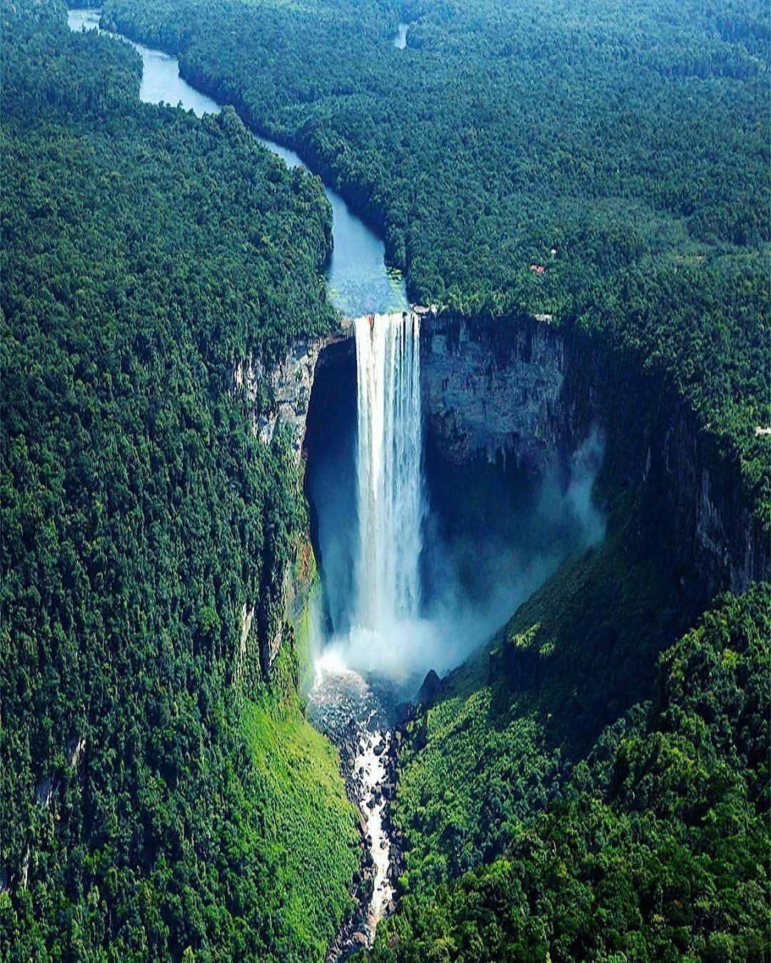 10 Stunning Places You Really Love To Sit There Here Is A List Of Top 10 Stunning Places You Really Love To Sit There T Waterfall Beautiful Waterfalls Nature