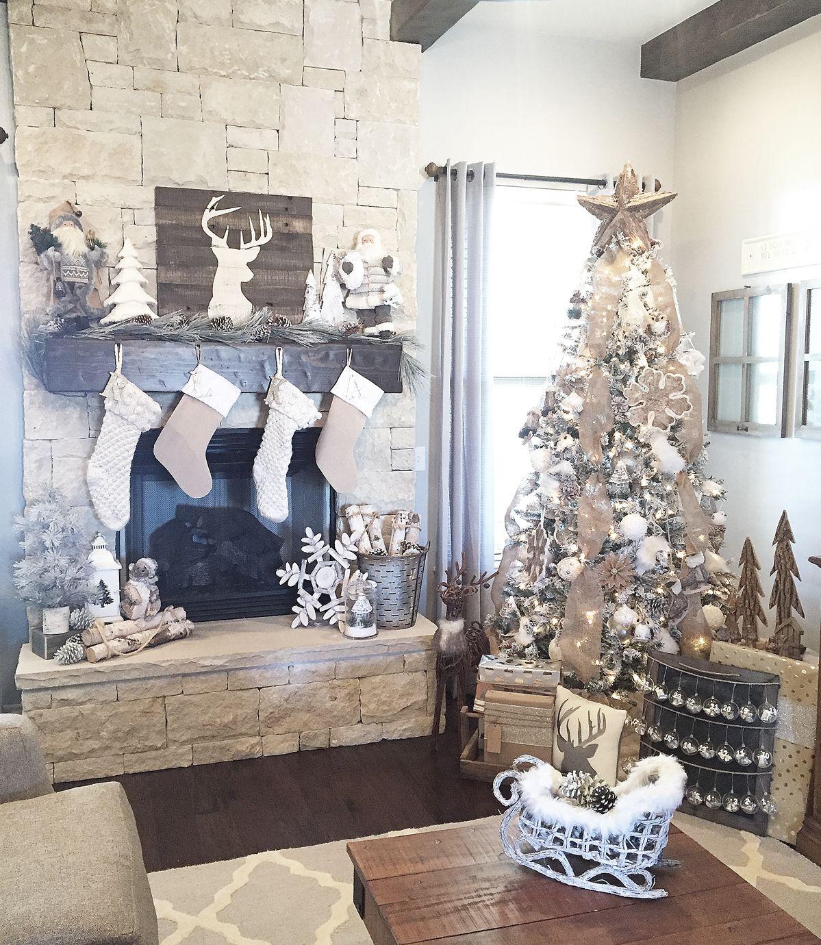 Rustic farmhouse christmas mantel and tree christmas - Decoracion navidena rustica ...