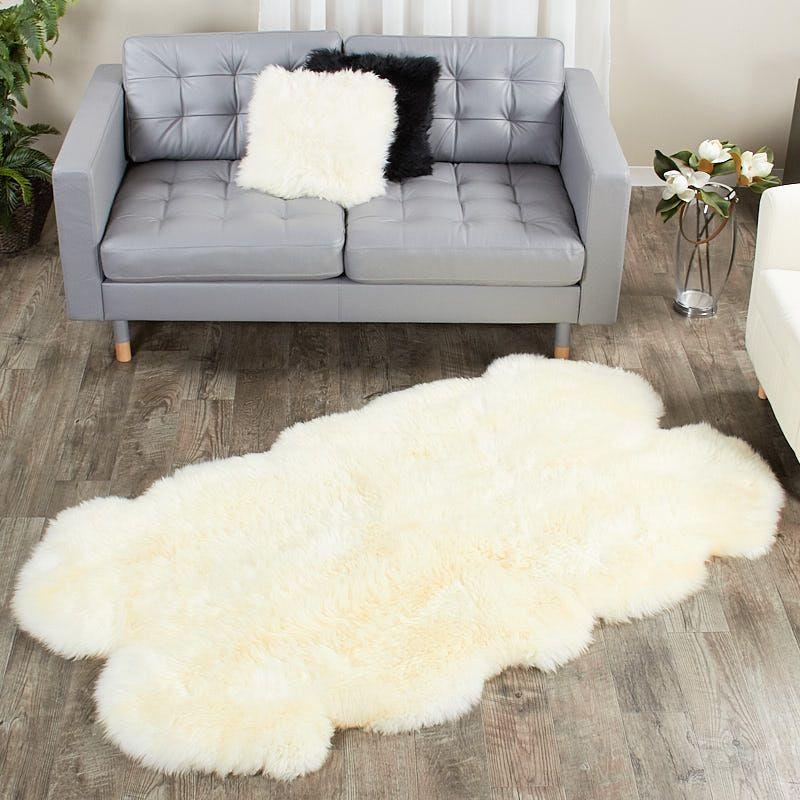 4 Pelt Eggshell White Sheep Fur Rug Quatro Fursource Com Sheepskin Rug White Sheepskin Rug Rugs