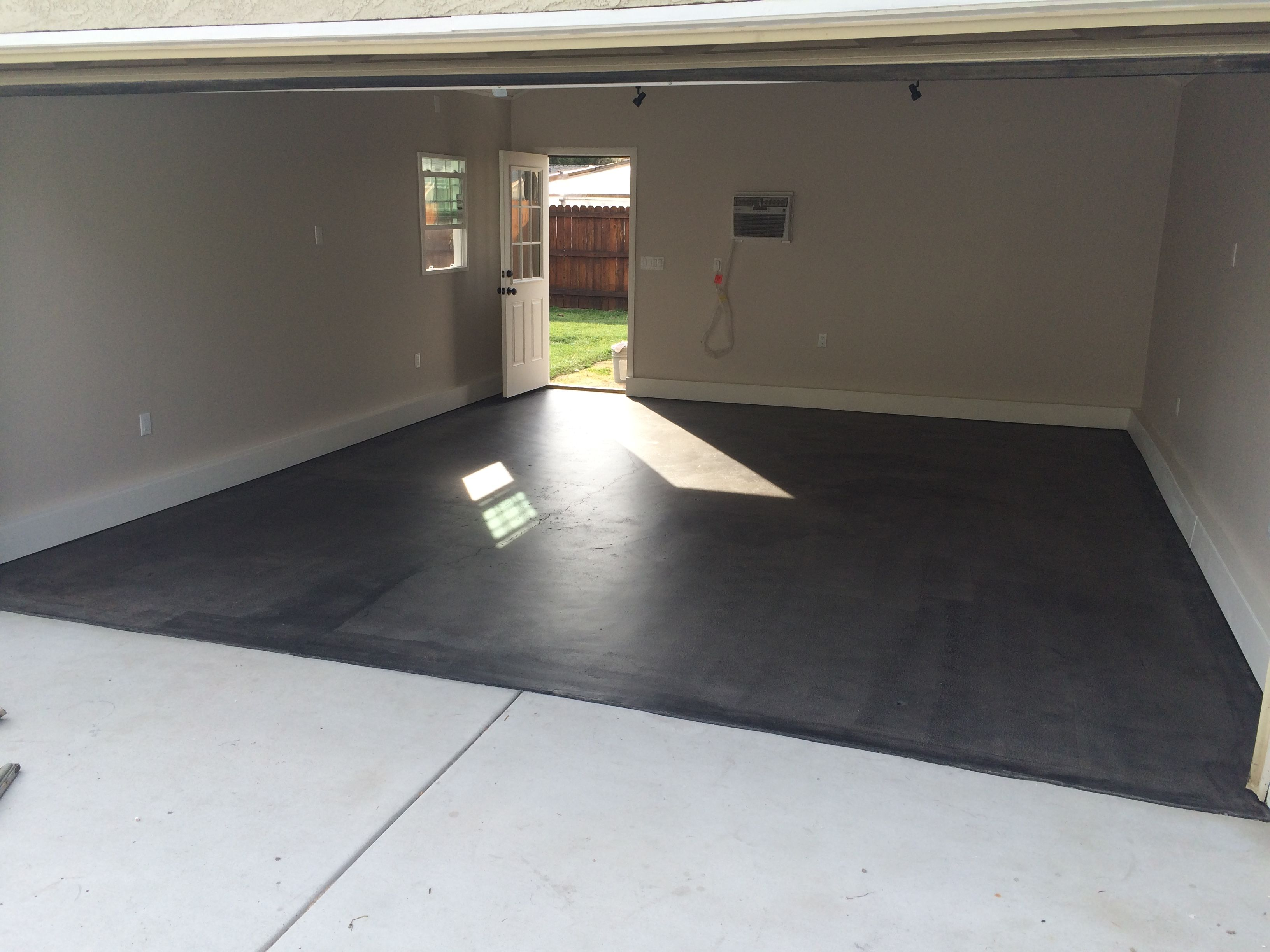 Garage Floor Mats Ottawa Behr Semi Transparent Concrete Stain In Dark Coal Available At