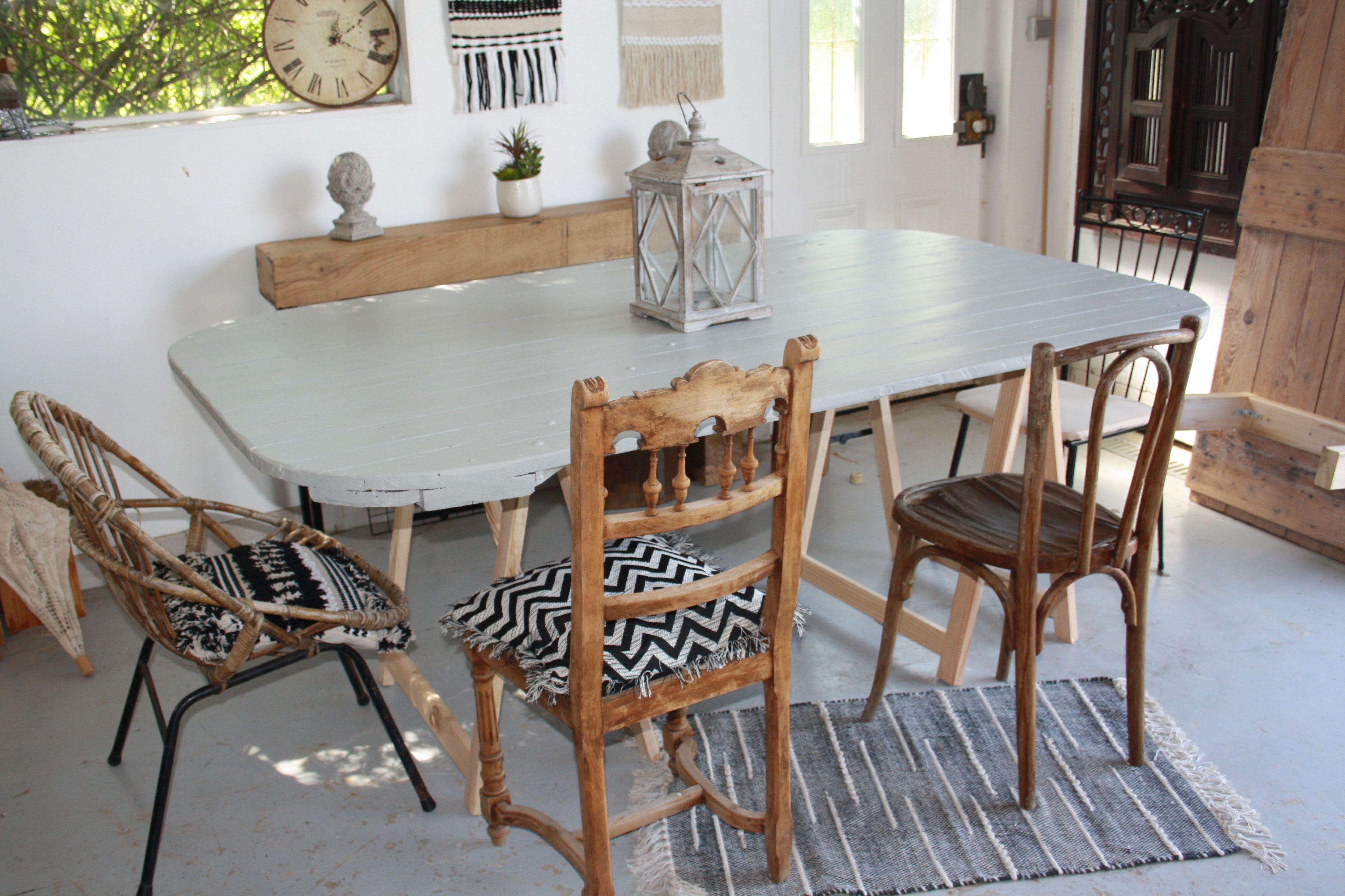 Creation Diy D Une Table Avec Un Vieux Volets De Grange A Vendre Sur Mon Site Mobilier De Salon Meubles En Bois Table Salle A Manger