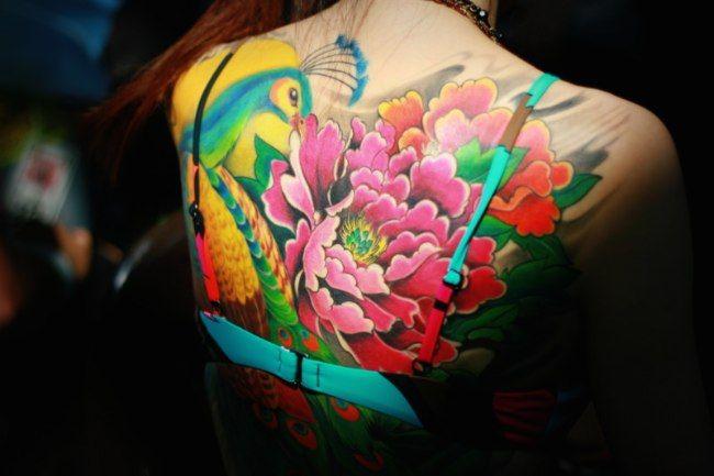 tatouage japonais femme fleur. Black Bedroom Furniture Sets. Home Design Ideas