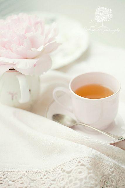 Tea Time by loretoidas