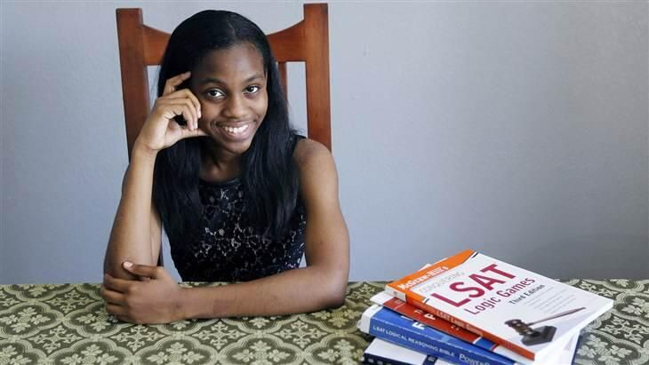 'Not hard; just hard work': Girl, 16, graduates from high school and college in same week... http://fplus.me/p/70A3 pic.twitter.com/ie7QpUMQFE