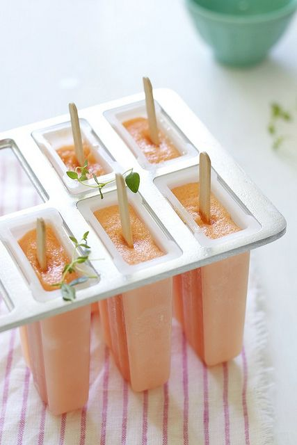 Paletas de Melón (melon ice pops)