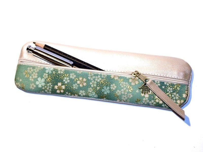 Federtasche Federmäppchen Leder weiß & Stoff Japan von Henriette Claire auf DaWanda.com