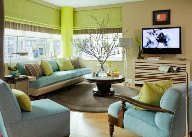 couleur de peinture pour salon en vert anis et ivoire et meubles bleus