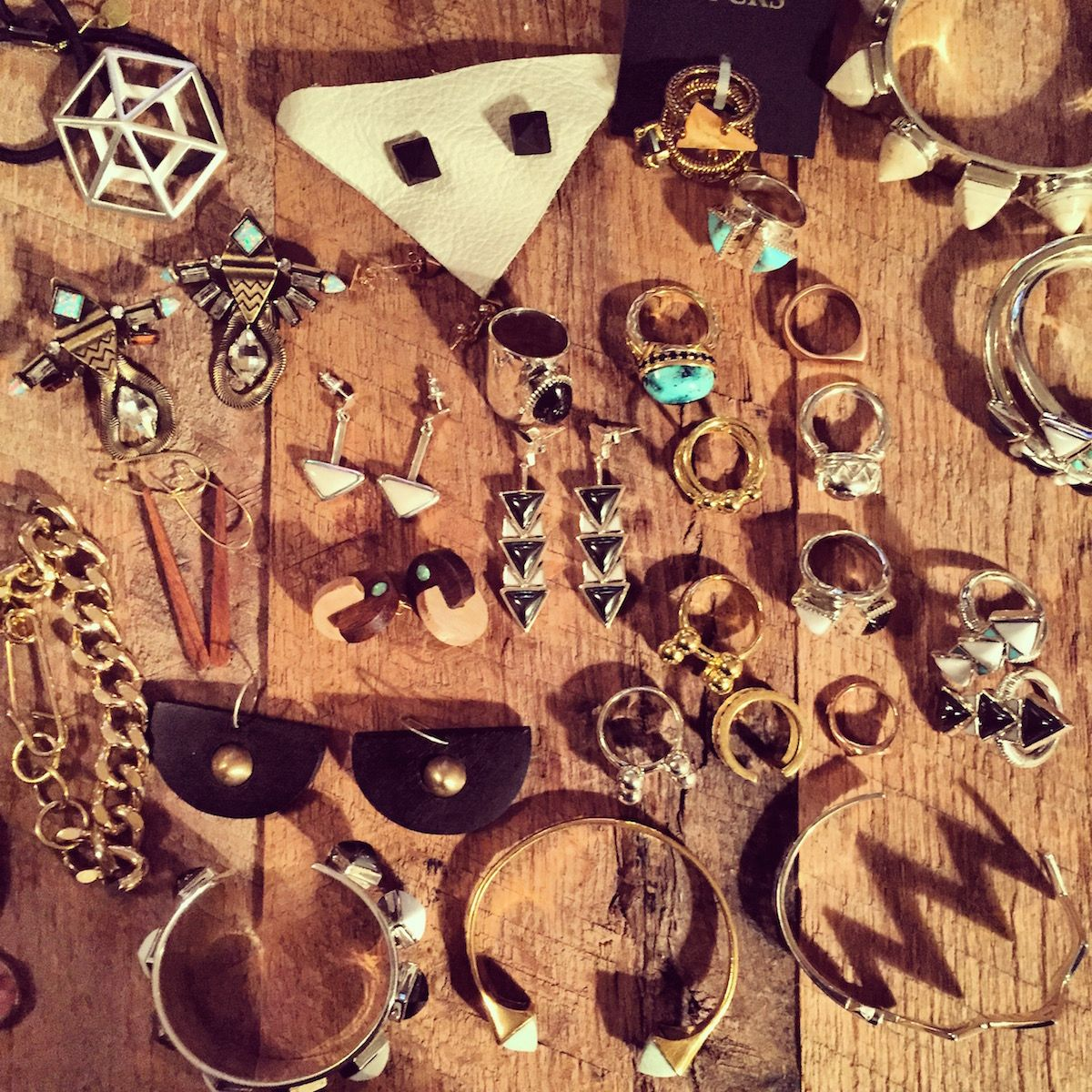 #WhitneyPort & her #Coachella collection, feauring our Hexagon pony. #SacredGeometry