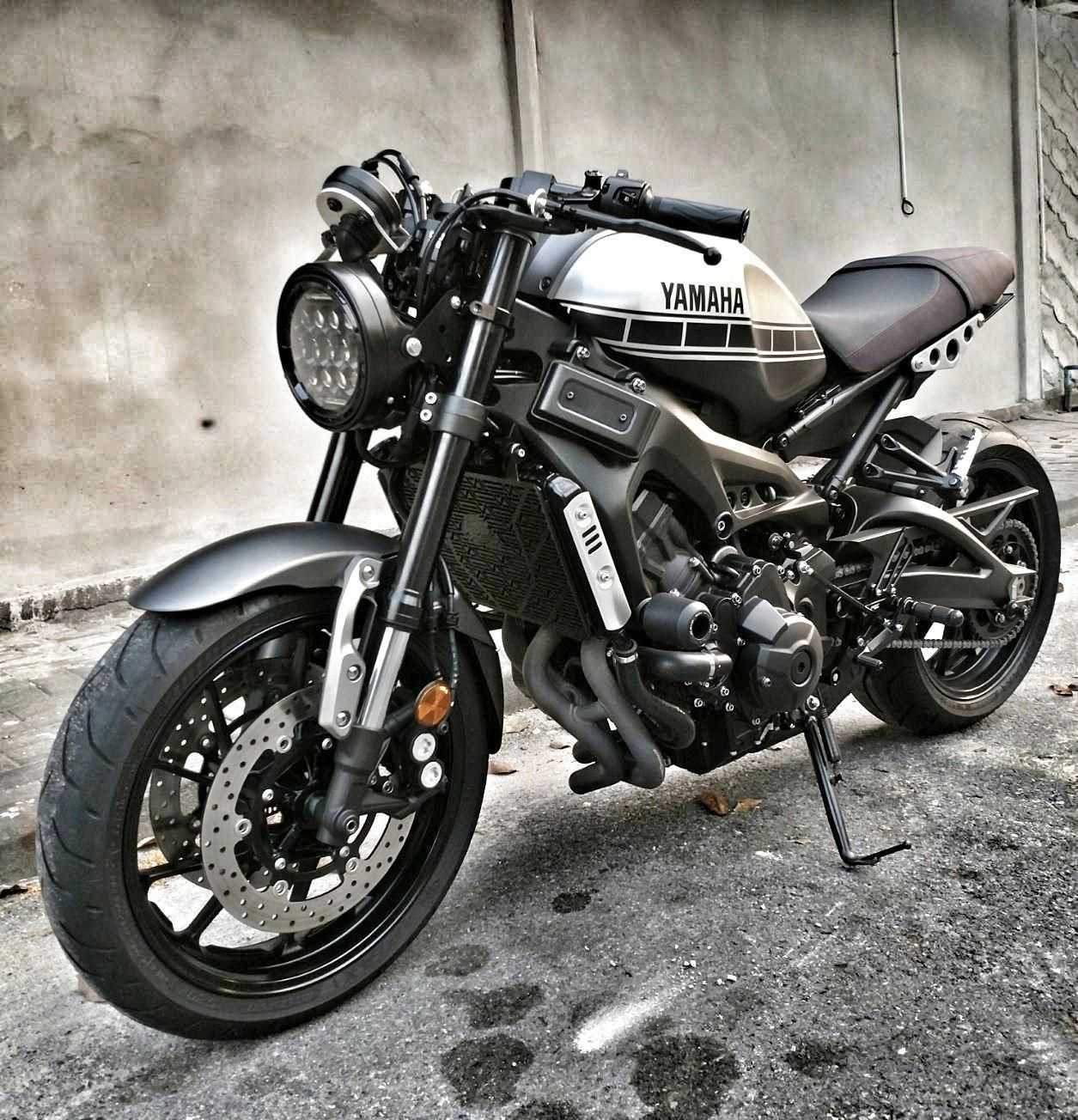 This Particular Photo Is Undeniably An Impressive Design Principle Caferacerdiy Yamaha Cafe Racer Custom Bikes Cafe Racers Motorcycle