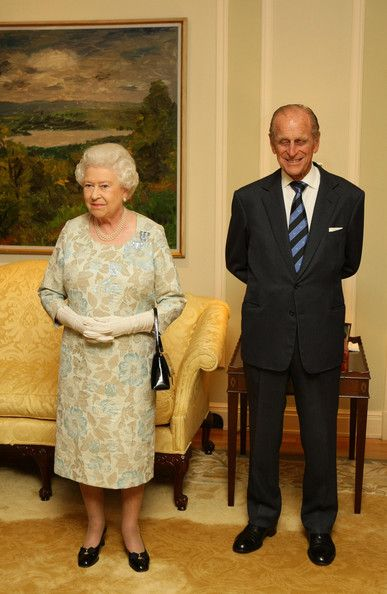 Queen Elizabeth II Photo - Queen Elizabeth Attends Reception At Canadian High Commissioner's Residence