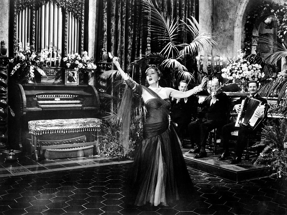 Gloria Swanson in Billy Wilder's SUNSET BOULEVARD ('50