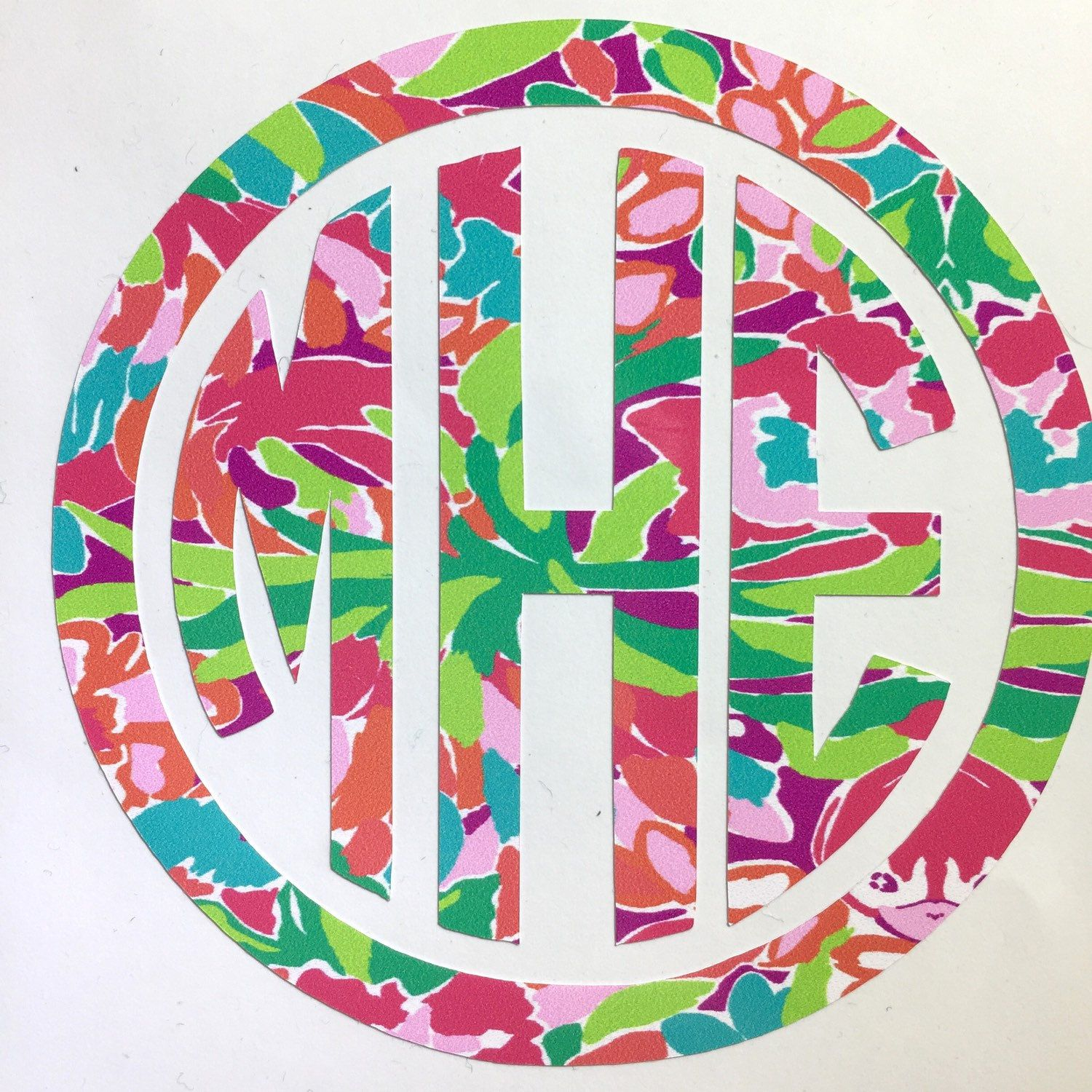 Love love love this circle monogram!  This one shown in LuLu is great for your MacBook, Yeti, IPad or any other hard surface!  Order yours today! #ssmonogramshop #etsy