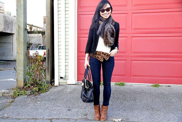 Dark Blue Jeans Light Brown Boots Black Bag Animal