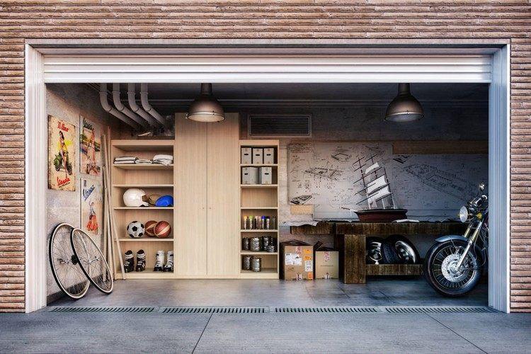aménager un garage moderne avec un meuble mural en bois clair et une