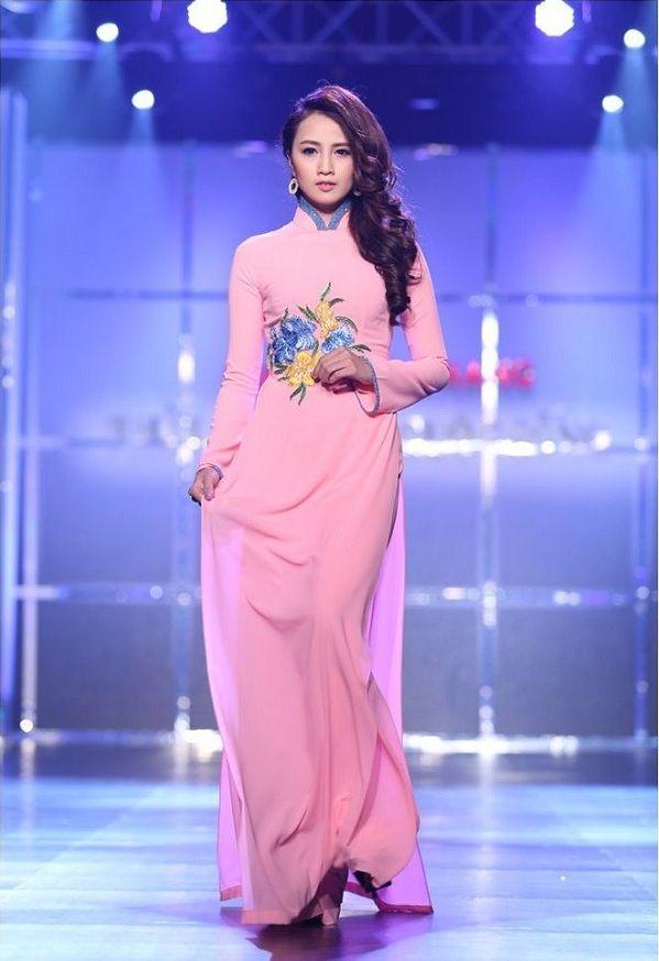 Áo dài cưới màu hồng 2   Charming Vietnamese coat   Pinterest