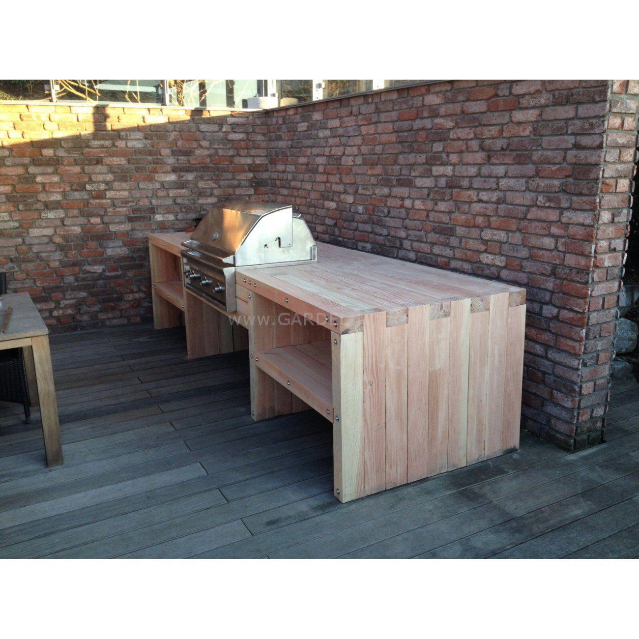 Einfache und kleine Holz-Außenküche mit Lynx-Einbaugrill // simple ...