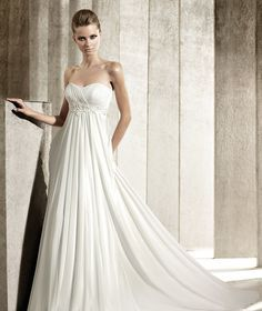 2000\'s Empire inspired wedding dress: This wedding dress made in the ...