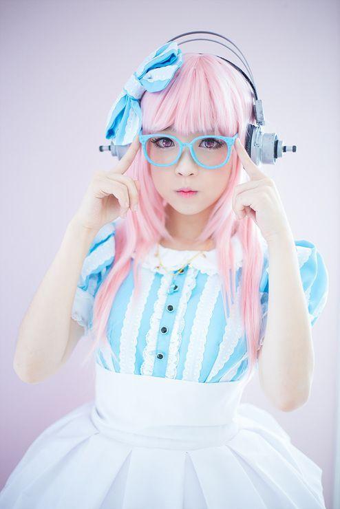 Garota Japonesa Linda!-Fones de ouvido e óculos   garotas do japão ... 792bee442d