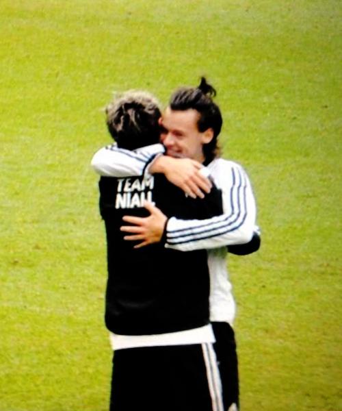NARRY HUG ♡