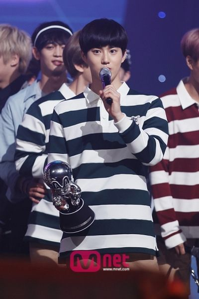 Suho - 150625 Mnet M! Countdown website update Credit: Mnet. (엠넷 엠! 카운트다운)