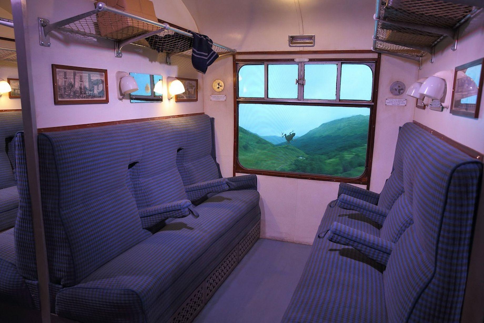 Harry Potter's Hogwarts Express and Platform 9¾ un