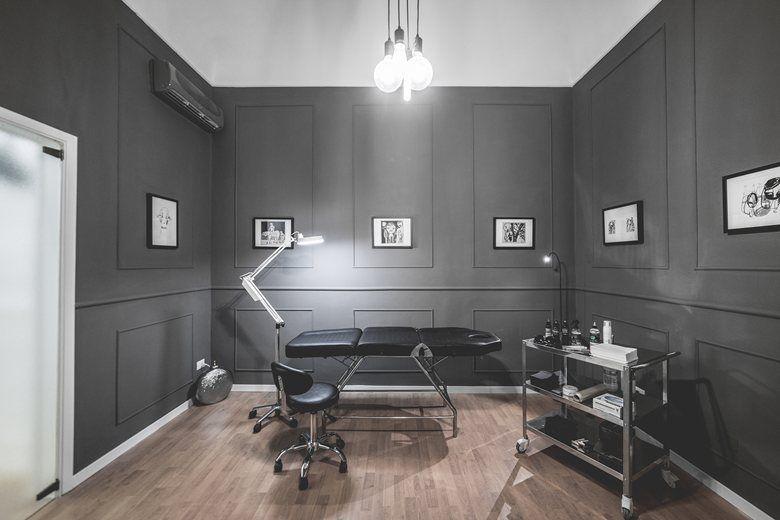 B G Tattoo Studio Modo Architettura Design Tattoo Studio Tattoo Studio Interior Tattoo Shop Interior