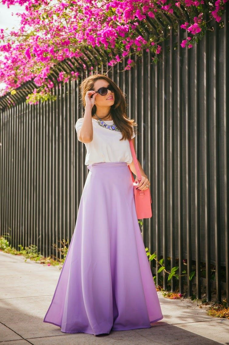What To Wear For Easter | White tees and Statement necklaces