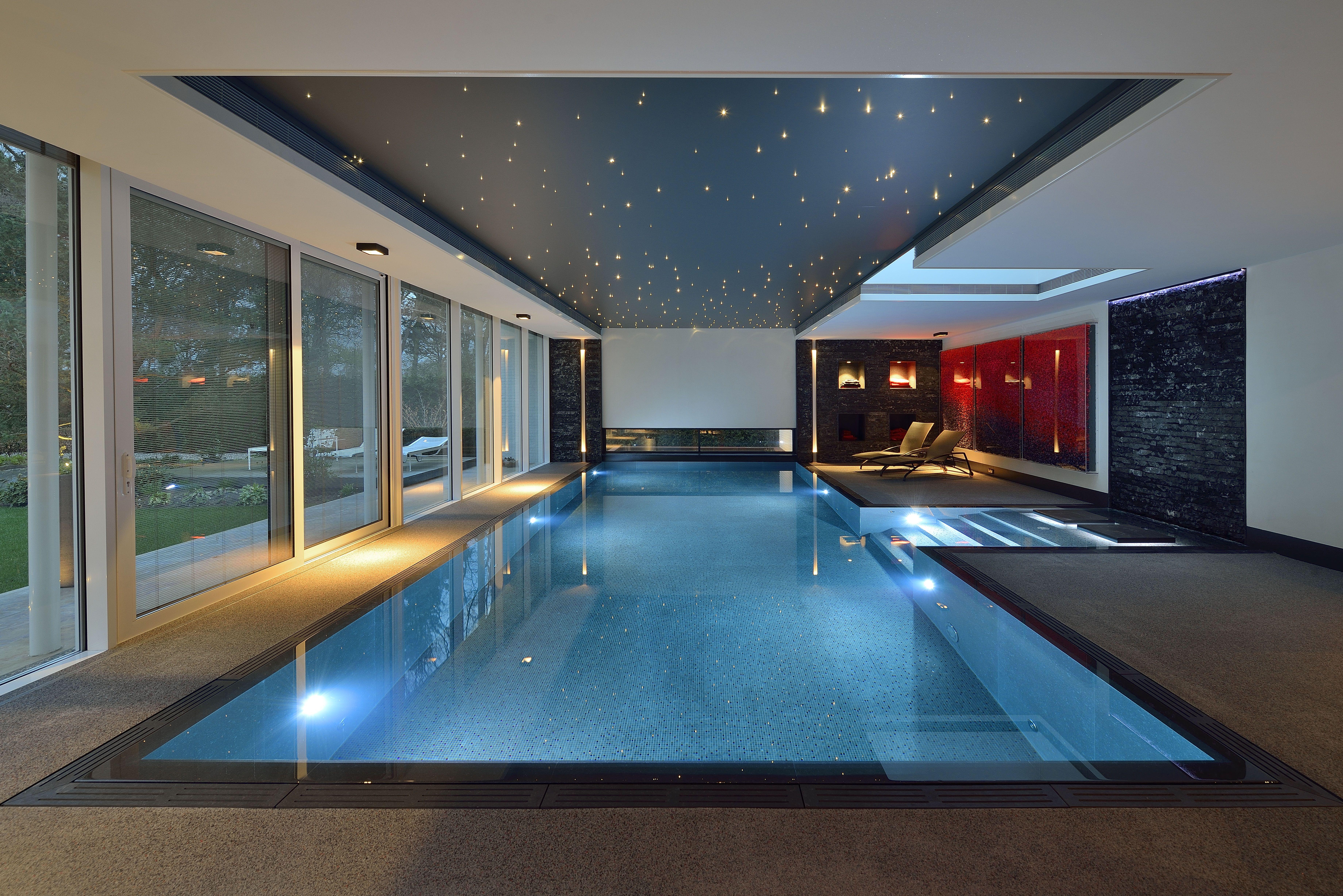 Domotica swimmingpool domotica zwembad binnenzwembad villa home