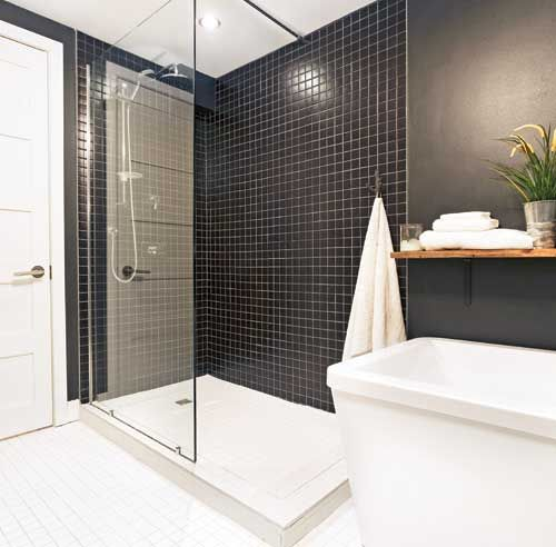 Une salle de bain rustique chic salle de bain for Idee ceramique salle de bain