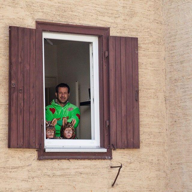 «VIP window at Schramberg carnival / Aux premières loges à Schramberg #Joingermantradition #jaimelallemagne #latergram»