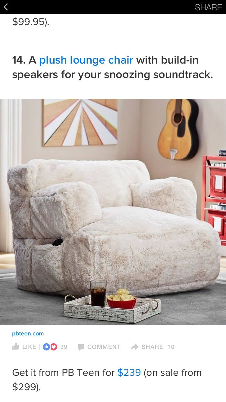 This Comfy Velvet Lounge Chair Is Easy To Be Move And Fits In An