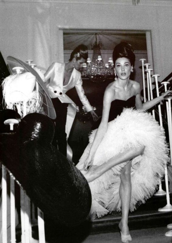 kasiastress: Elle Macpherson and Carla Bruni for...