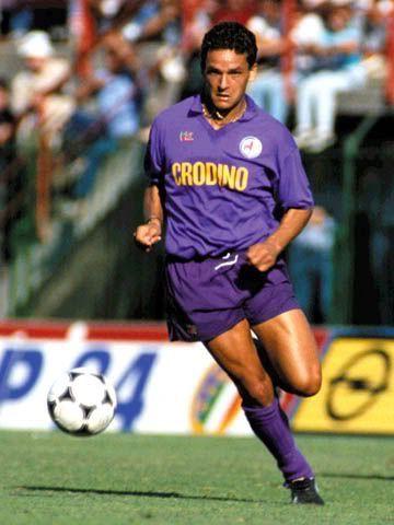 b984ced44e5 Roberto Baggio of Fiorentina in 1987.
