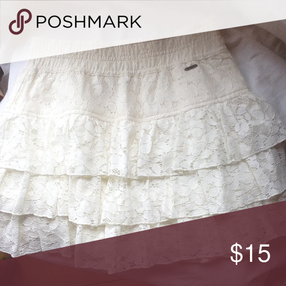 a2b3686b9 Hollister skirt size XS. This super cute skirt is ready for back to school Hollister  Skirts Midi