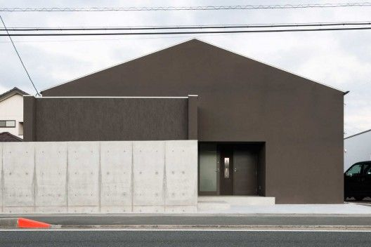 Architects: FORM | Kouichi Kimura Location: Shiga, Japan Project area: 165 sqm Project year: 2010 Photographs: Takumi Ota Photography