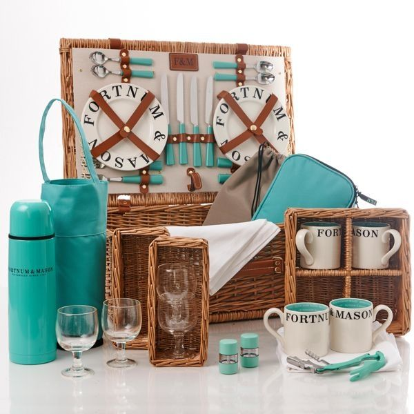 NEW - The Piccadilly 4 Person Picnic Hamper - Fortnum & Mason