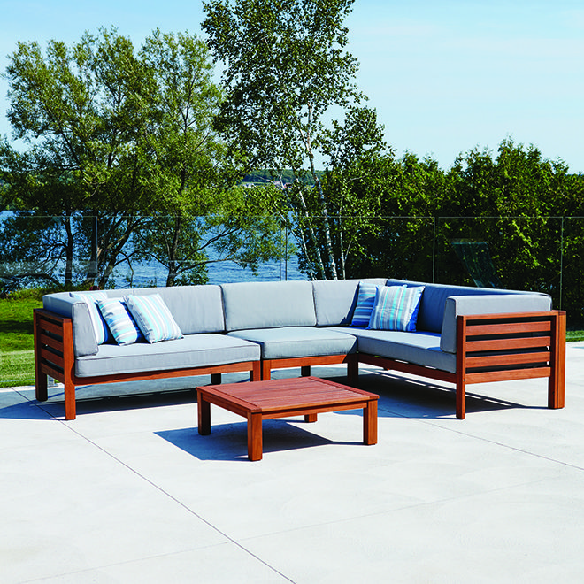 This patio set\'s high-end materials are a savvy mix of beauty and ...