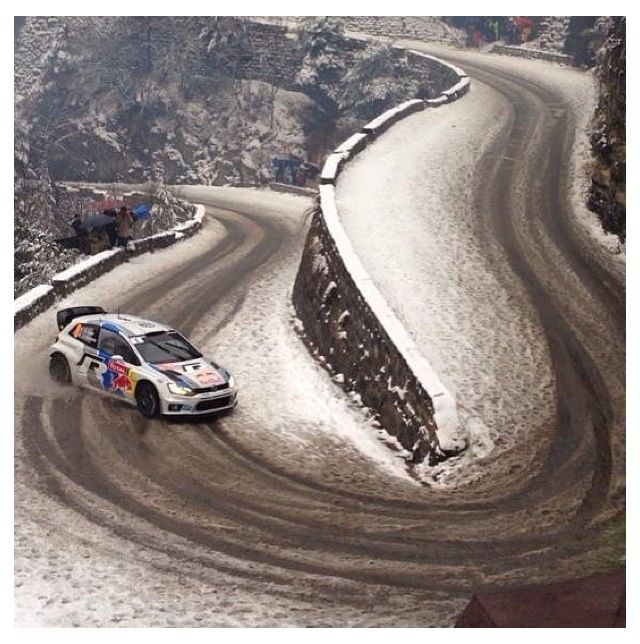 vw polo rally car fast approaching hairpin left don 39 t cut on a snow covered asphalt stage. Black Bedroom Furniture Sets. Home Design Ideas