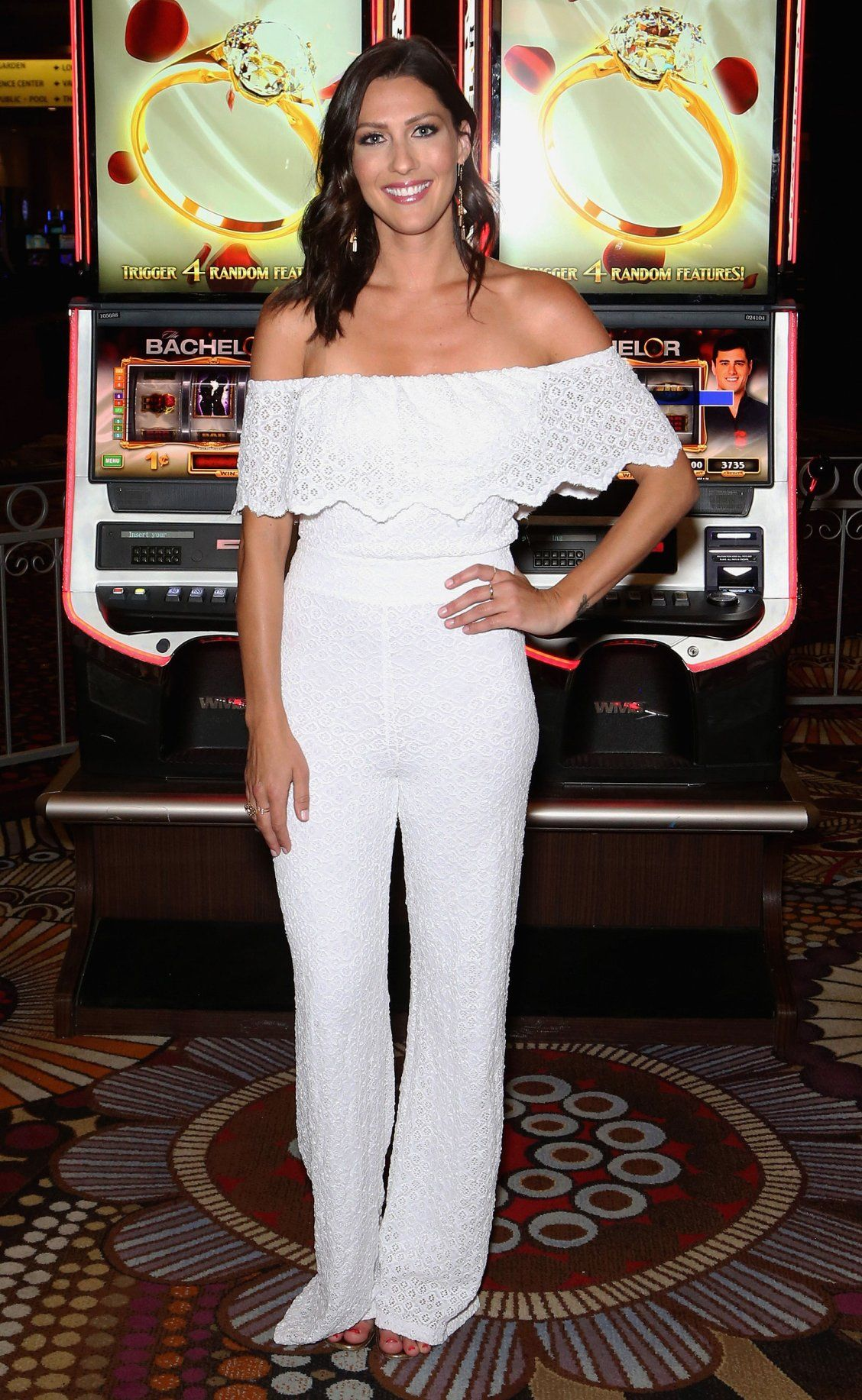 dd683ee3be88 White jumpsuit - click through for more date outfit ideas from The Bachelorette  Becca Kufrin!