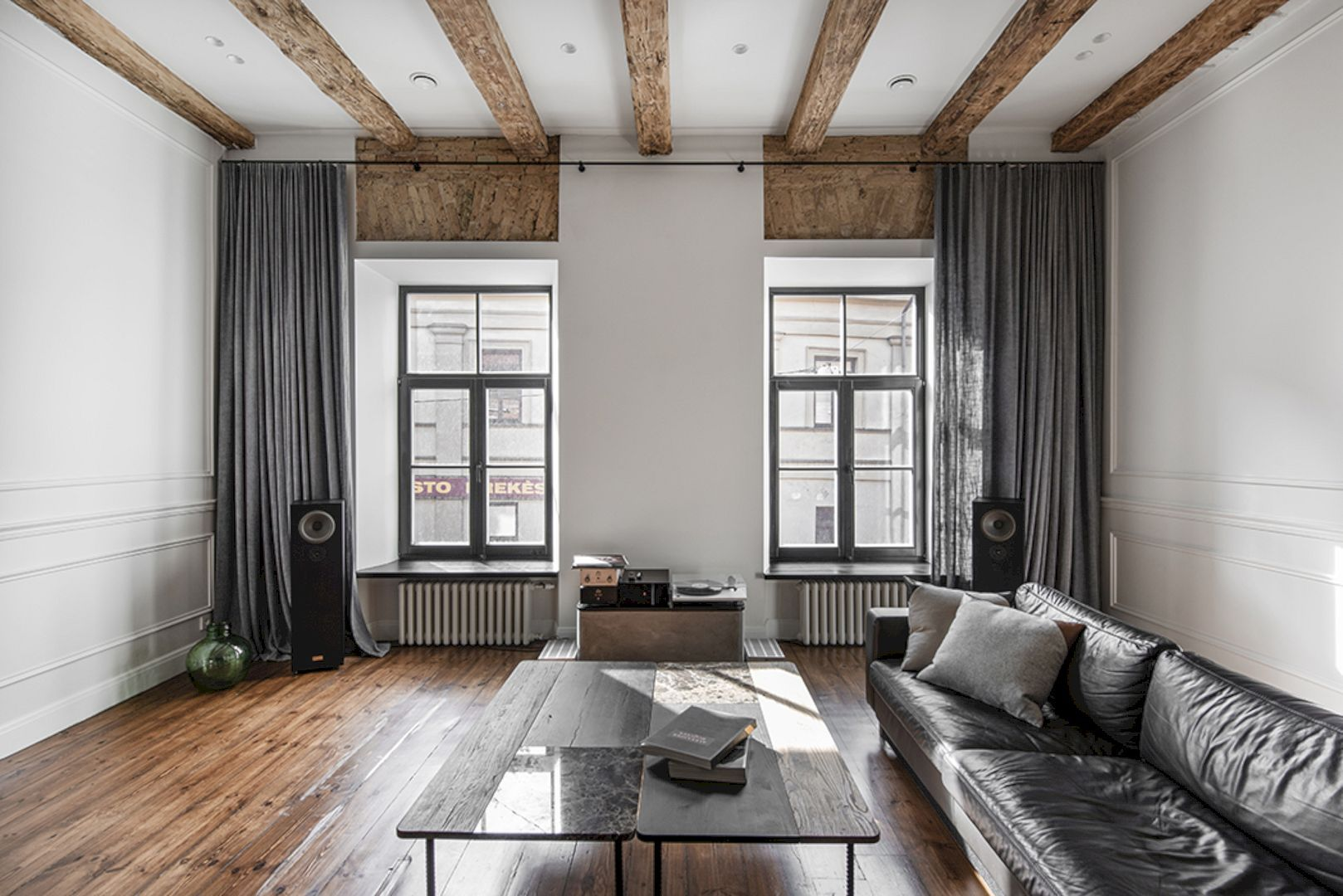 Old Town Apartments Old Apartment With Contemporary Interior And Rich Harmonious Design Apartment Interior Design Old Apartments Apartment Interior