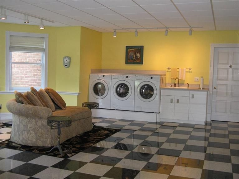 No THAT's a laundry room!