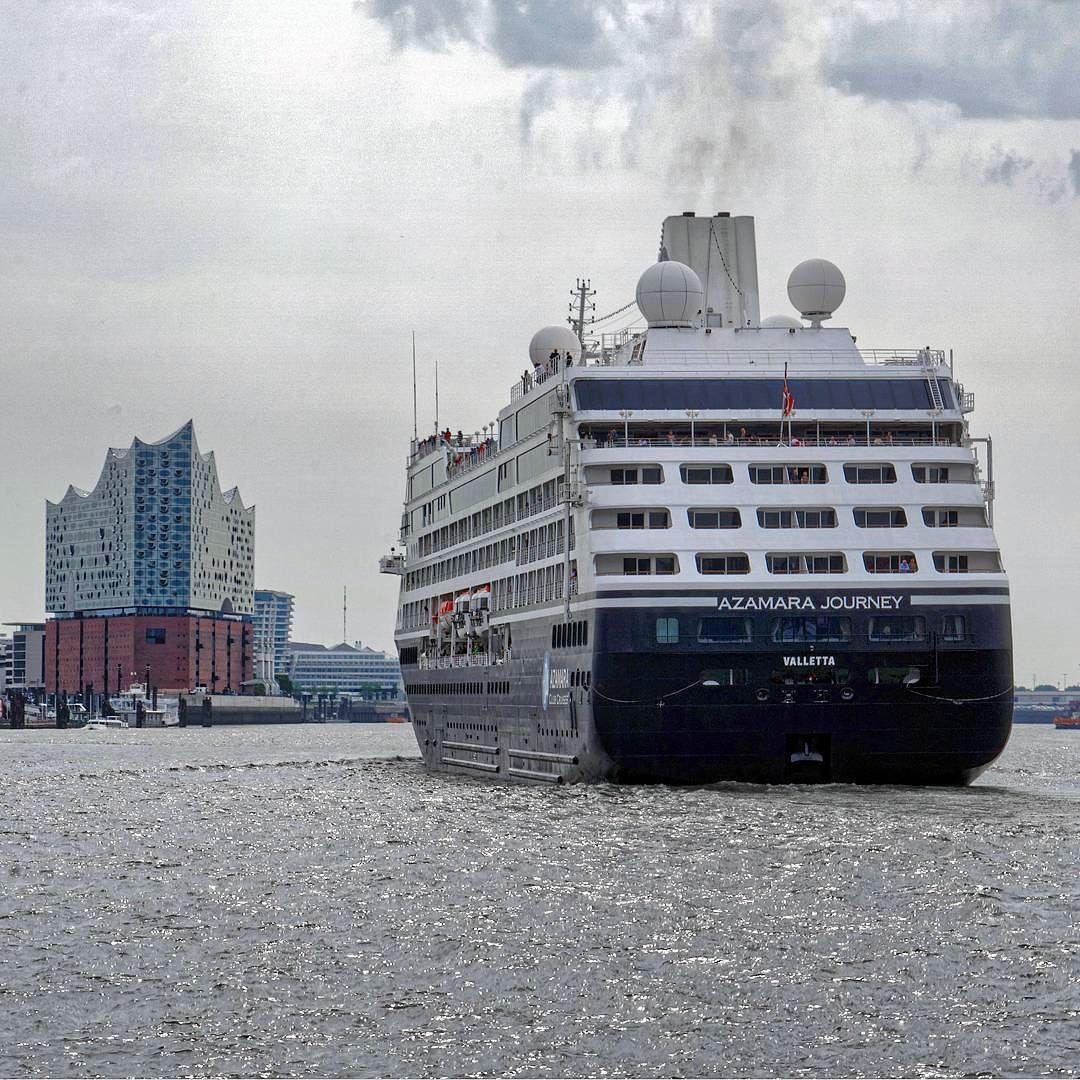 Gestern In Hamburg Einfahrt Der Azamara Journey An Der Elbphilharmonie Elbphilharmonie Hamburg Azamarajourney New York Skyline Cruise Azamara