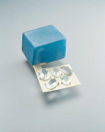 """JANTJE FLEISCHUT-DE/NL  brooch 2005-""""w53""""- gold,resin,fiberglass,aquamarine"""