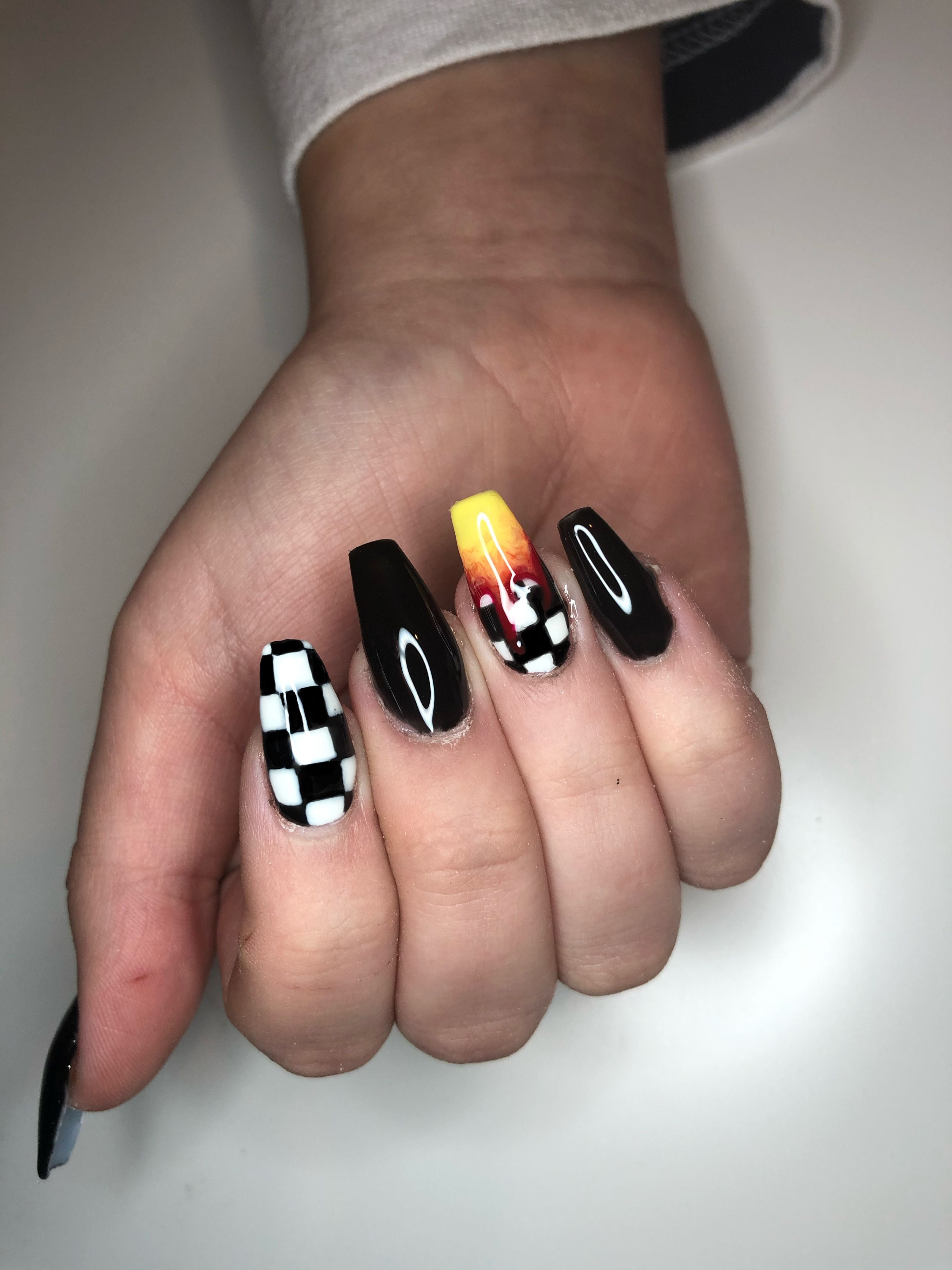 Checkerboard Flame Nails Contemplating Providing Oneself A At Home Manicure Nonetheless Requiring Many Motivation L In 2020 Black Acrylic Nails Nails Acrylic Nails