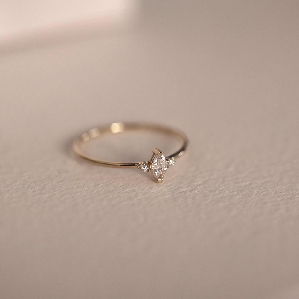 Anillo de bodas de diamantes marquesa, anillo de bodas de diamantes único, anillo de compromiso de bodas, anillo de diamantes nart minimalista, anillo de compromiso de diamantes